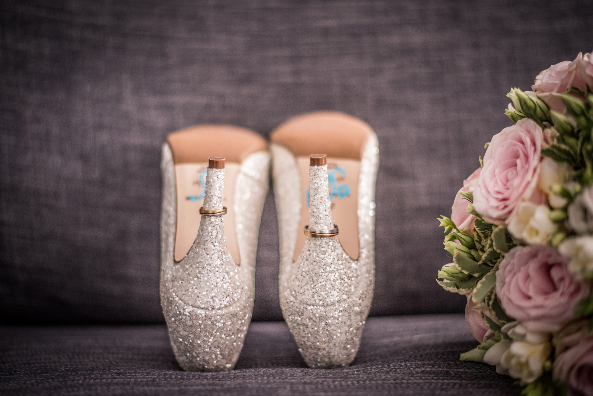 details-mariage-bagues-chaussure